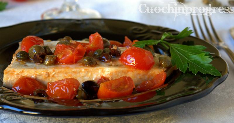 Pesce spada capperi olive e pomodori