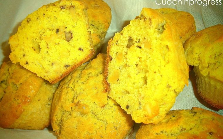 Muffins gorgonzola noci e pesto