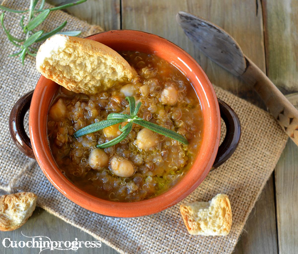 Zuppa di quinoa lenticchie e ceci