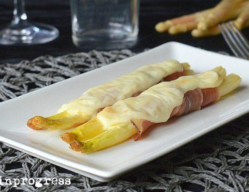 Asparagi in crosta di speck e Castelmagno