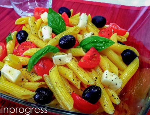 Pasta fredda allo zafferano con Taleggio e olive