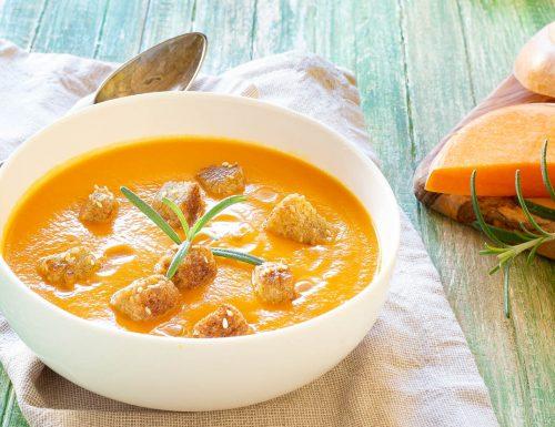 Vellutata di zucca e patate profumata al curry