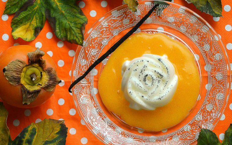 Panna cotta alla vaniglia con coulis di cachi