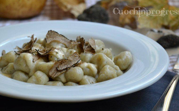 Gnocchi al tartufo con fonduta di Pecorino Casentino