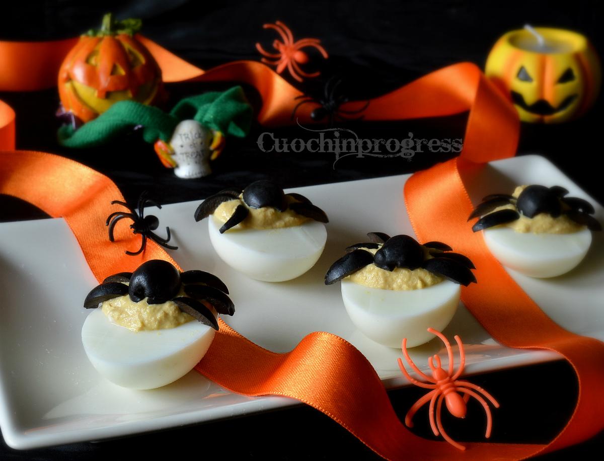 Uova ripiene di Halloween