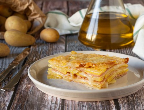 Parmigiana di patate prosciutto e mozzarella