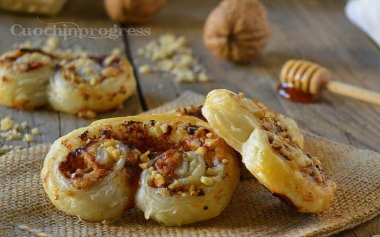 Ventagli di sfoglia pecorino noci e miele