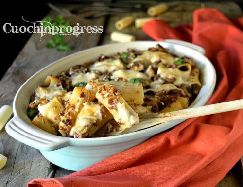 Pasta al forno con ragù bianco e funghi