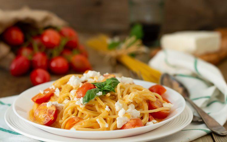 Spaghetti pomodorini e feta