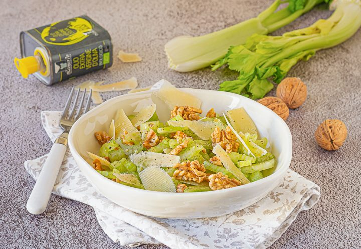insalata di sedano noci e parmigiano