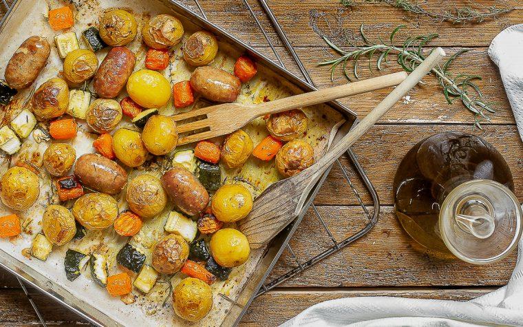 Salsicce e verdure al forno
