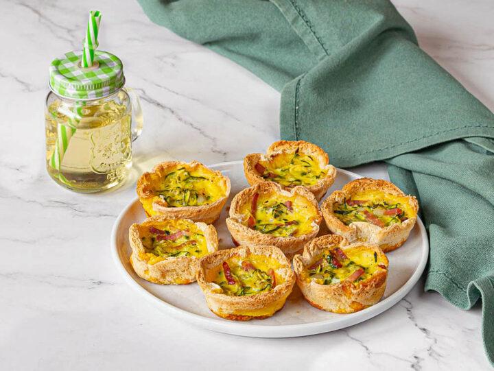 cestini di pane con zucchine e speck