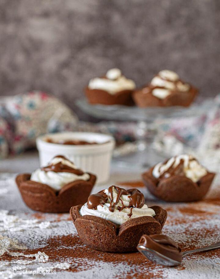 tartellette al cacao panna e Nutella