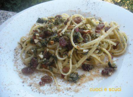 Pasta alla Siciliana finocchietto mandorle e uvetta