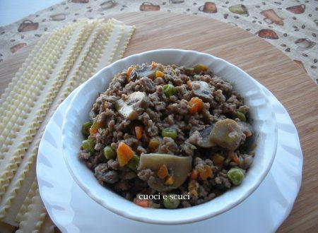 Il ragù bianco con carne e verdure