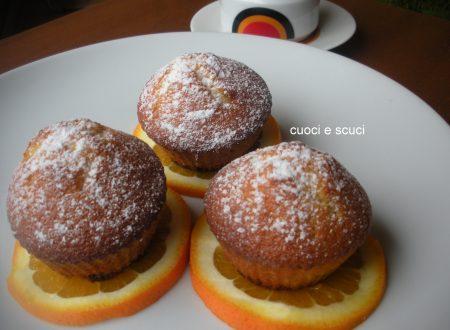 Muffins con semola e arancia