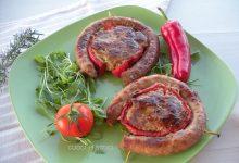 Salsiccia al forno con hamburger