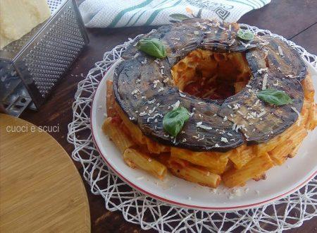 Ciambella di pasta con melanzane grigliate