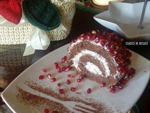Rotolo di pan di spagna al cacao con crema golosa