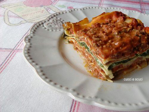 Lasagne al forno con ragù di carne, ricotta e spinaci