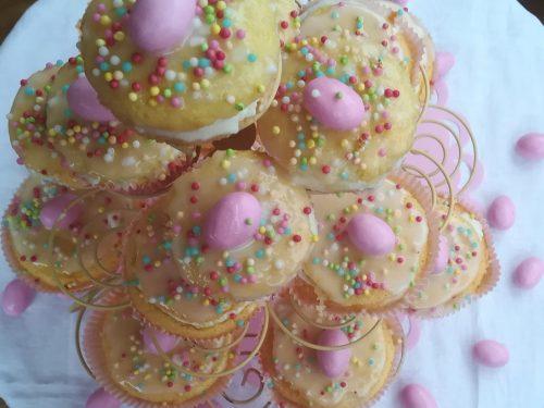 Tortine confettate con crema e glassa