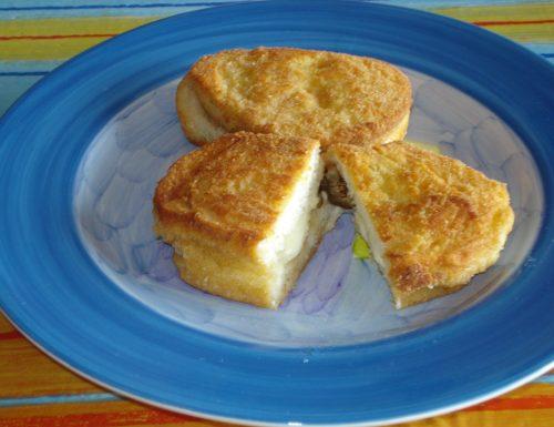 crostoni panati con mozzarella e melanzane