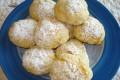 piccole brioche al miele con granella di zucchero
