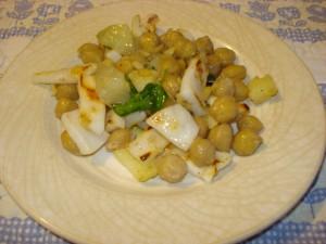 insalata di calamaro arrosto con ceci e patate