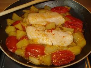 flletti di merluzzo con pomodori e patate