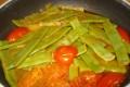 taccole con pomodorini ed erbe aromatiche