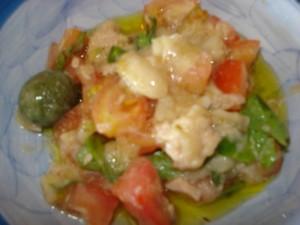 insalata di pomodori e tonno con crema di cannellini