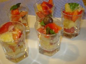 bicchierini con panzanella di verdure