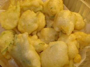 frittelle soffici con zucchine e pecorino