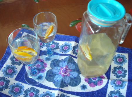 acqua aromatizzata allo zenzero e arancia