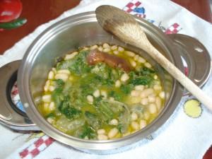 zuppa di fagioli e scarola con la cotica