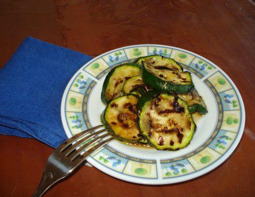 zucchine grigliate con aceto balsamico