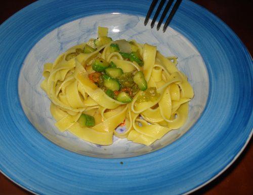 tagliatelle con zucchine e aceto balsamico