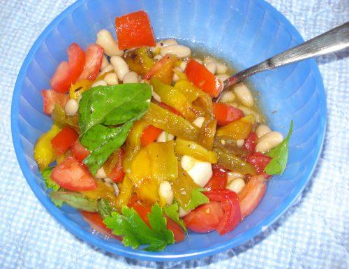 insalata di fagioli pomodori e peperoni