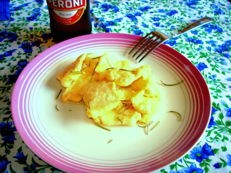 Straccetti di pollo alla birra e rosmarino