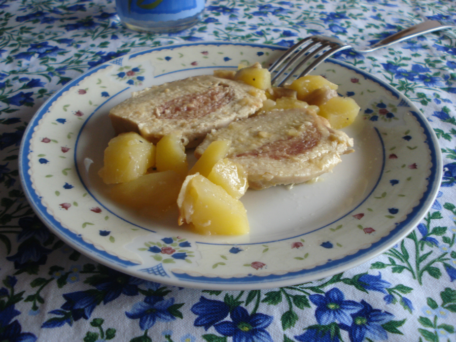 Petto di pollo ripieno al forno con funghi e patate