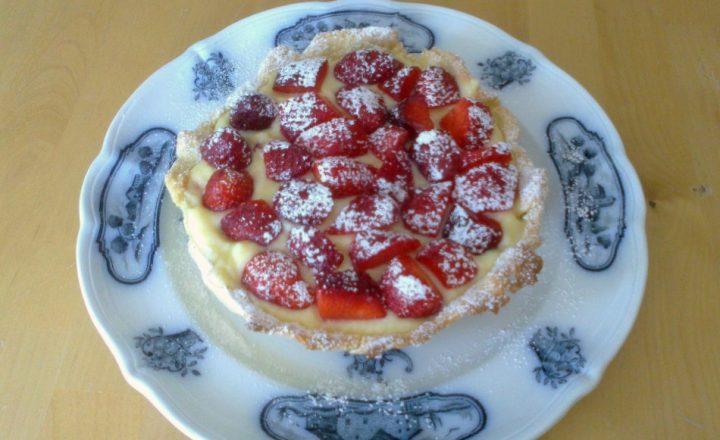 Crostata alle fragole con crema pasticcera