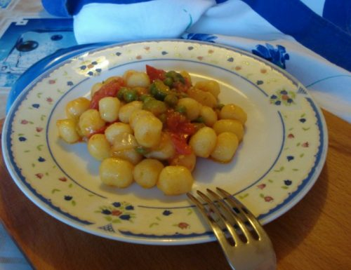 Chicche di patate al sugo di verdure tricolore