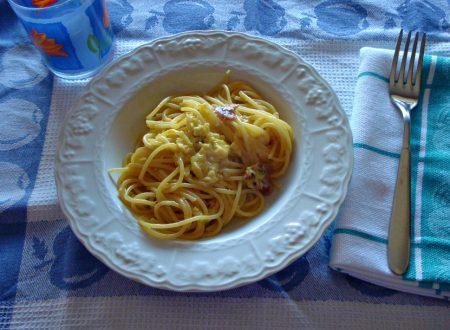 Spaghetti alla carbonara di cipolle