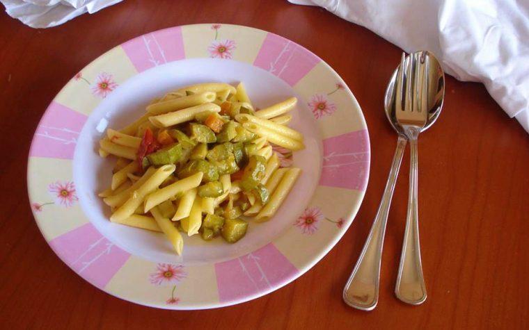 Pasta al sugo di carote zucchine e zenzero