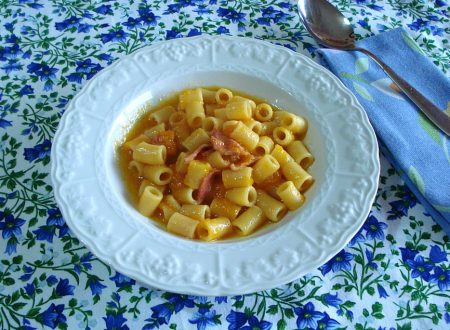 Pasta con zucca e salame