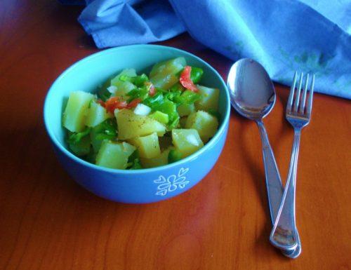 Insalata di patate cipollotti e peperoncini friggitelli