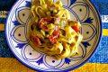 Fettuccine alle zucchine cipollotti e pesto genovese