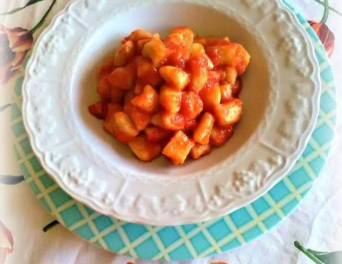Gnocchi di patate al guanciale e pomodori