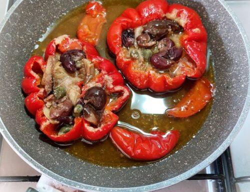 Peperoni papacelle ripieni in padella