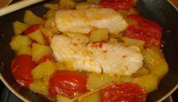 filetti di merluzzo con pomodori e patate